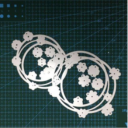 Nicole - 2 Flower Circles Metal Cutting Dies