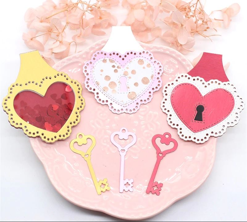 Nicole - Heart Key Chain Set Metal Cutting Dies