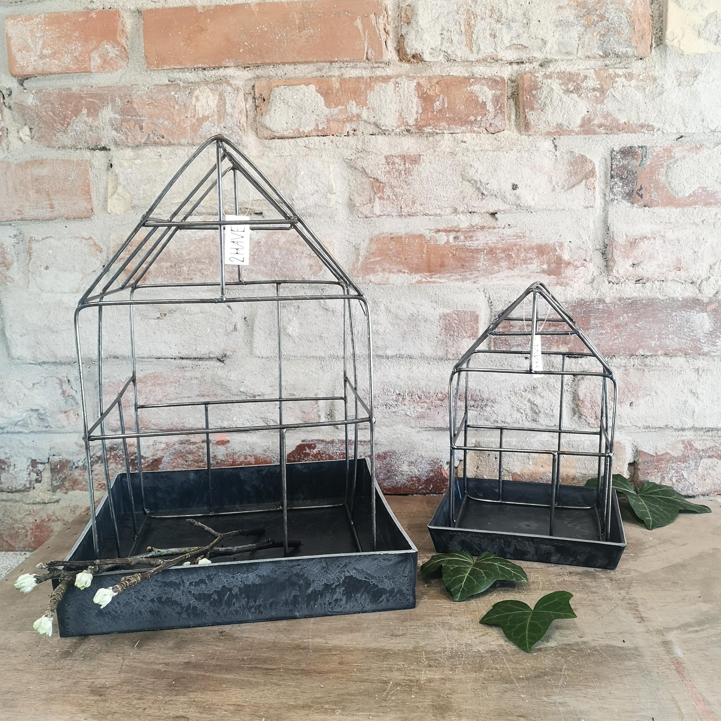 Fuglebur med planteskål