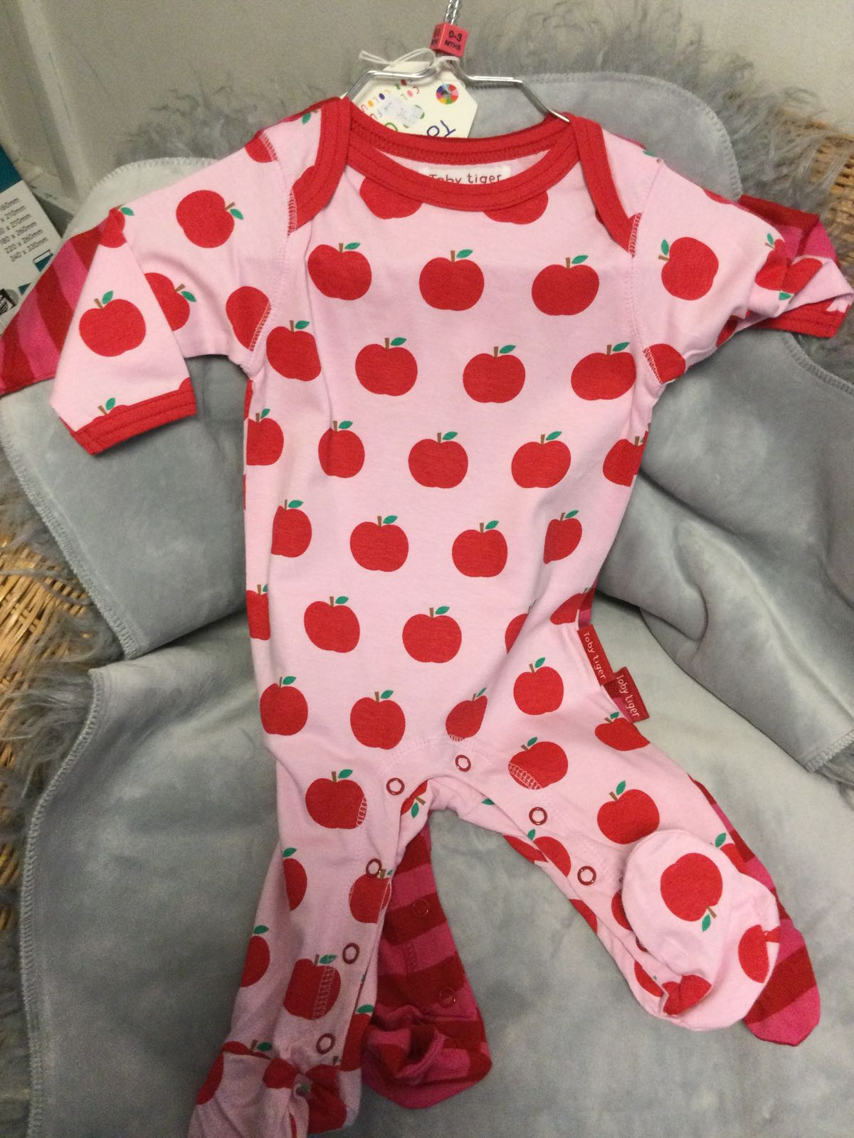 Toby Tiger - Sleep suit with feet 2 pack - Apple 0-3 months