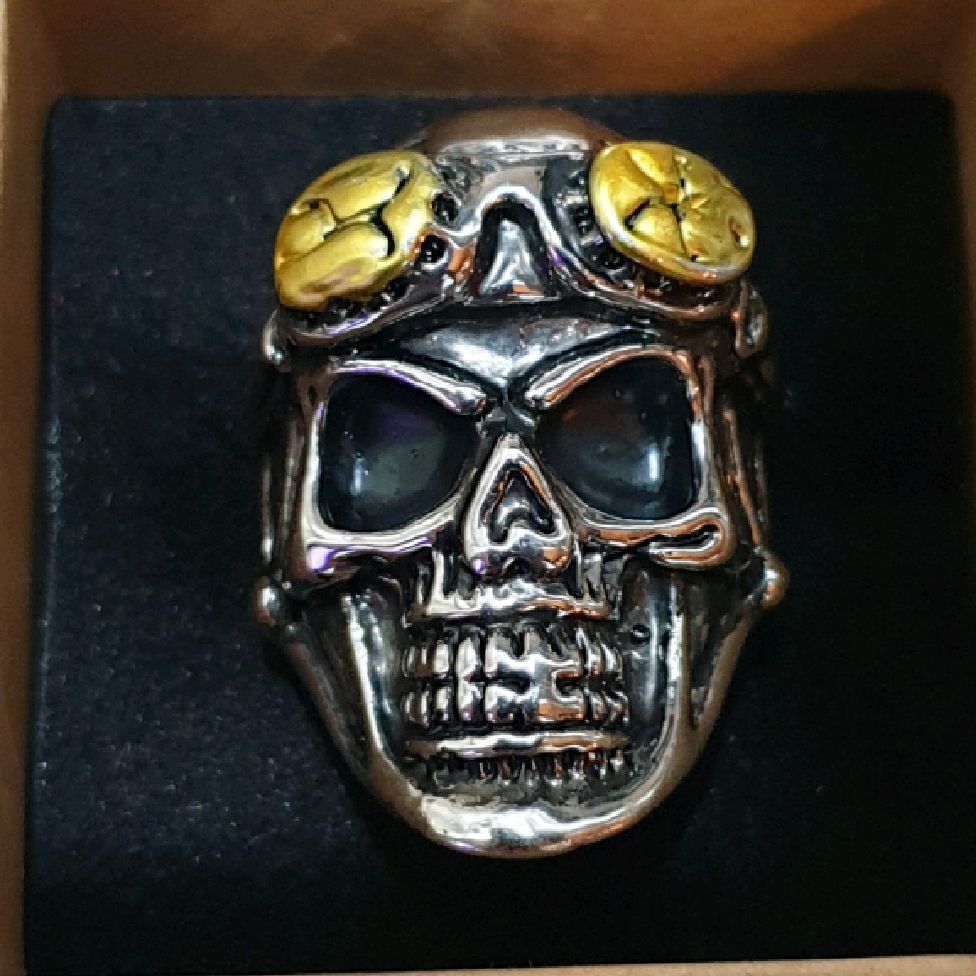 Ring - Biker skull design.