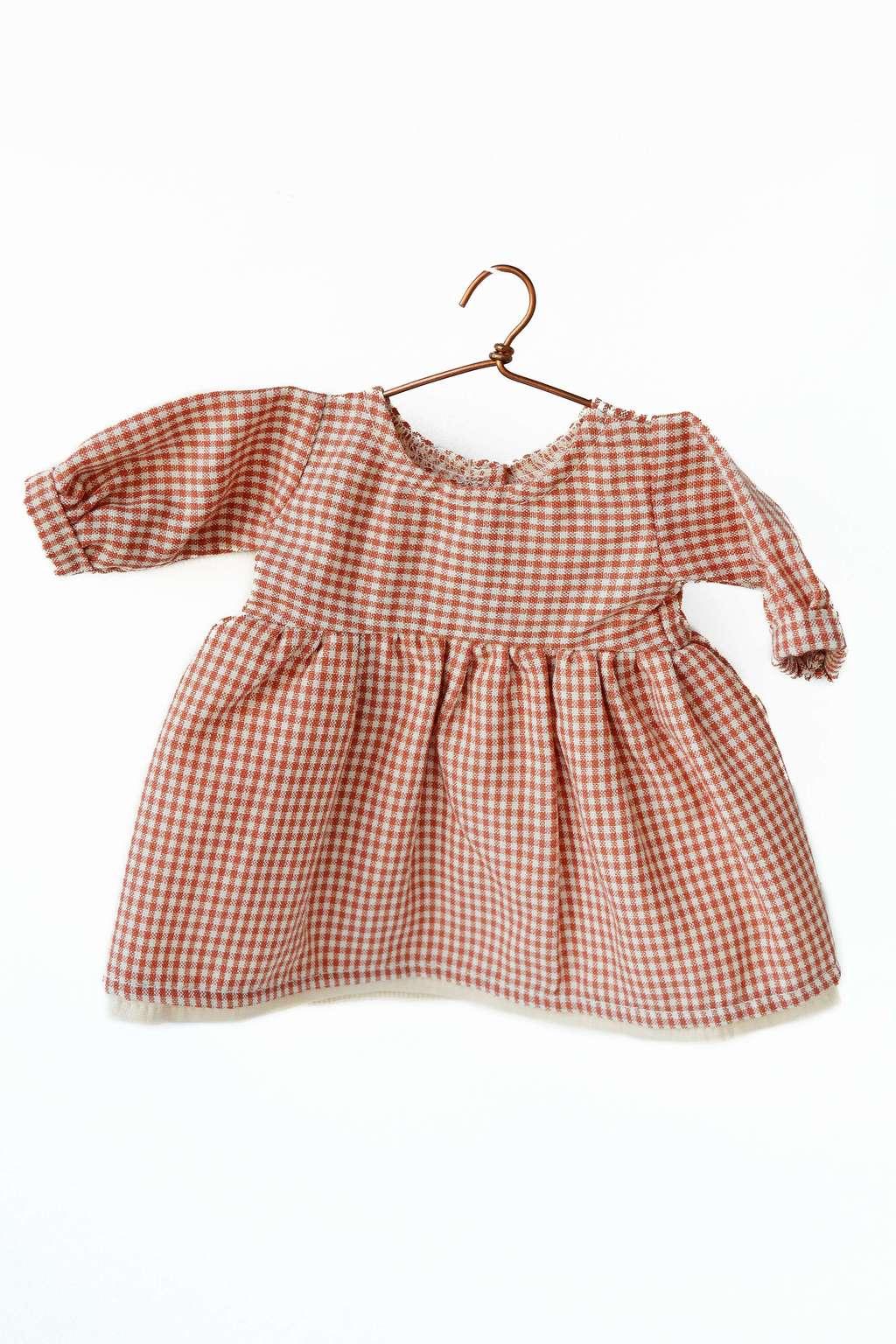 Rødrutet kjole (Philomena Kloss bamse)