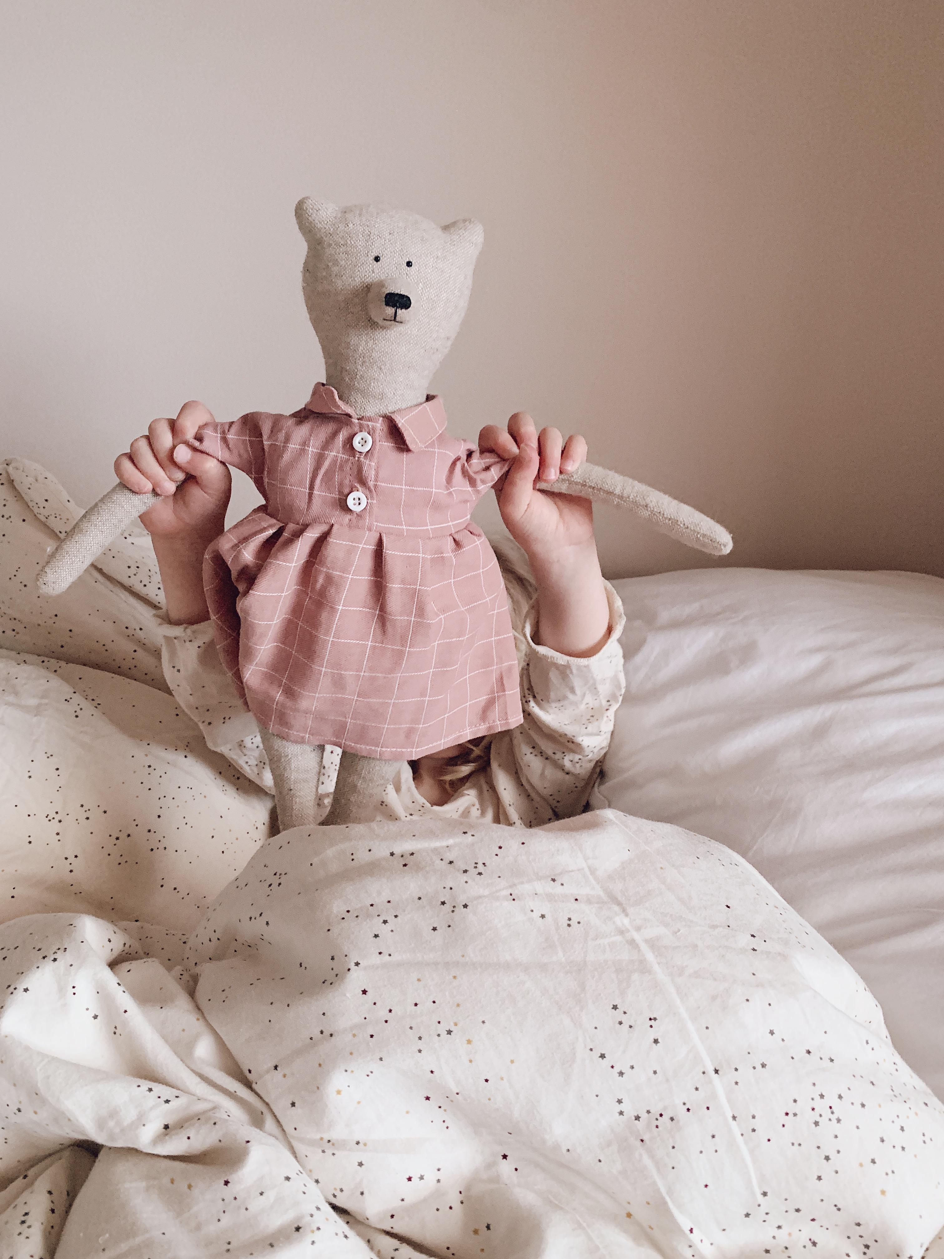 Philomena Kloss bamse med rosa rutet kjole