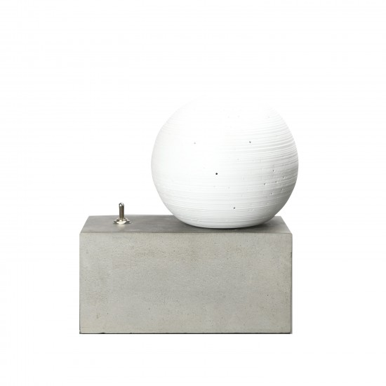By On Concrete lamp