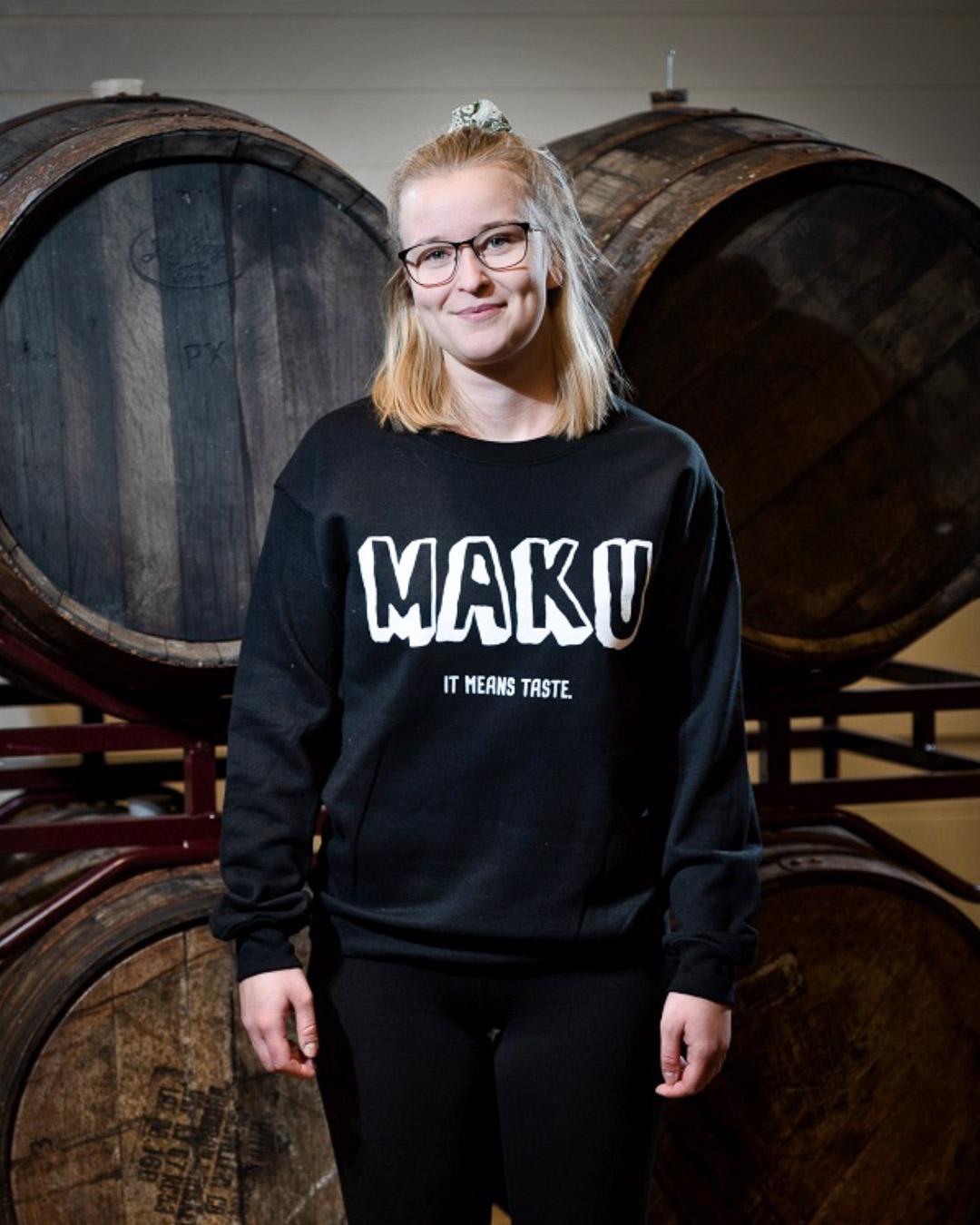 Maku Collegepaita / Musta