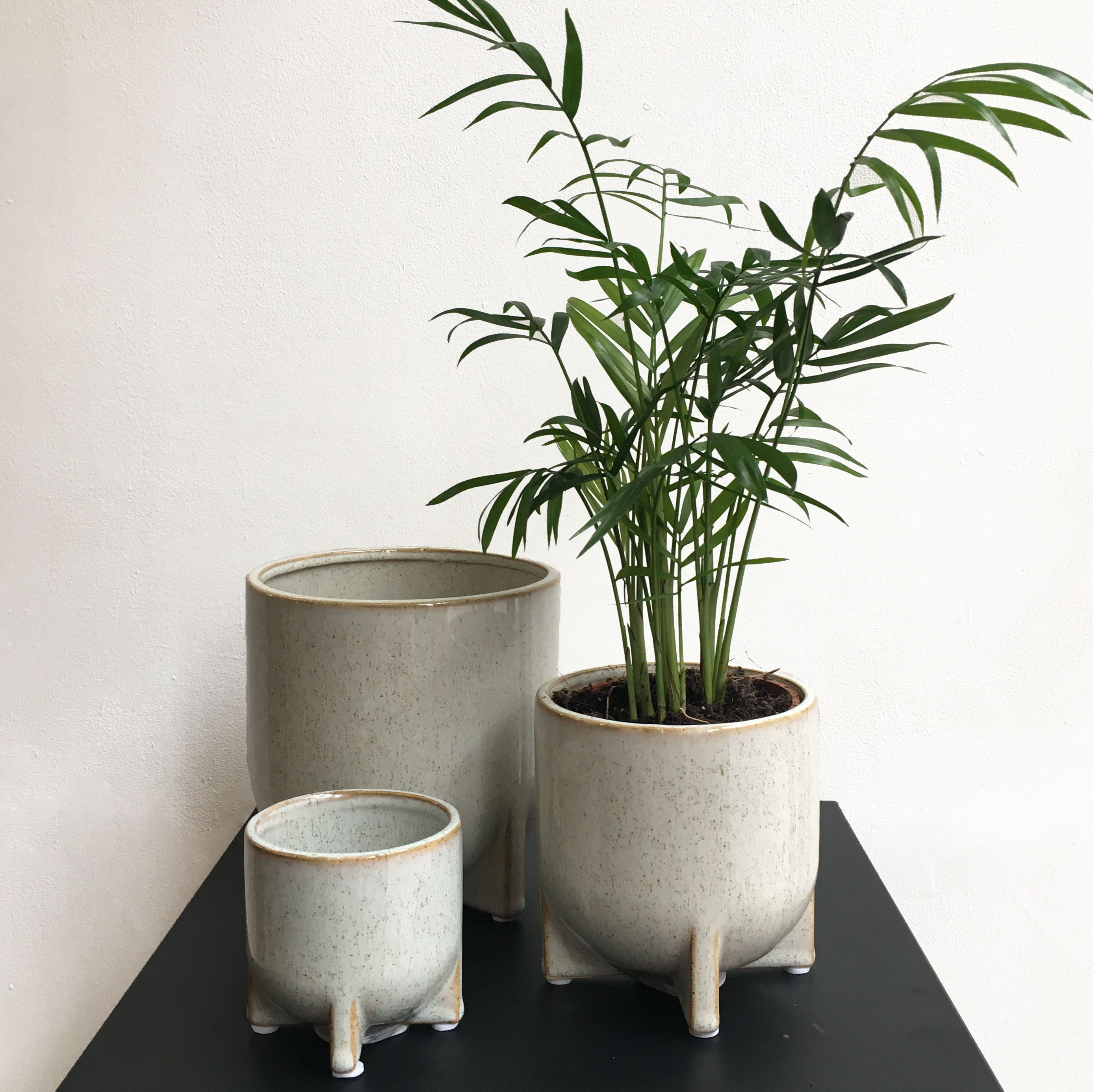 Cream & Speckle Pots with Feet - 3 Sizes