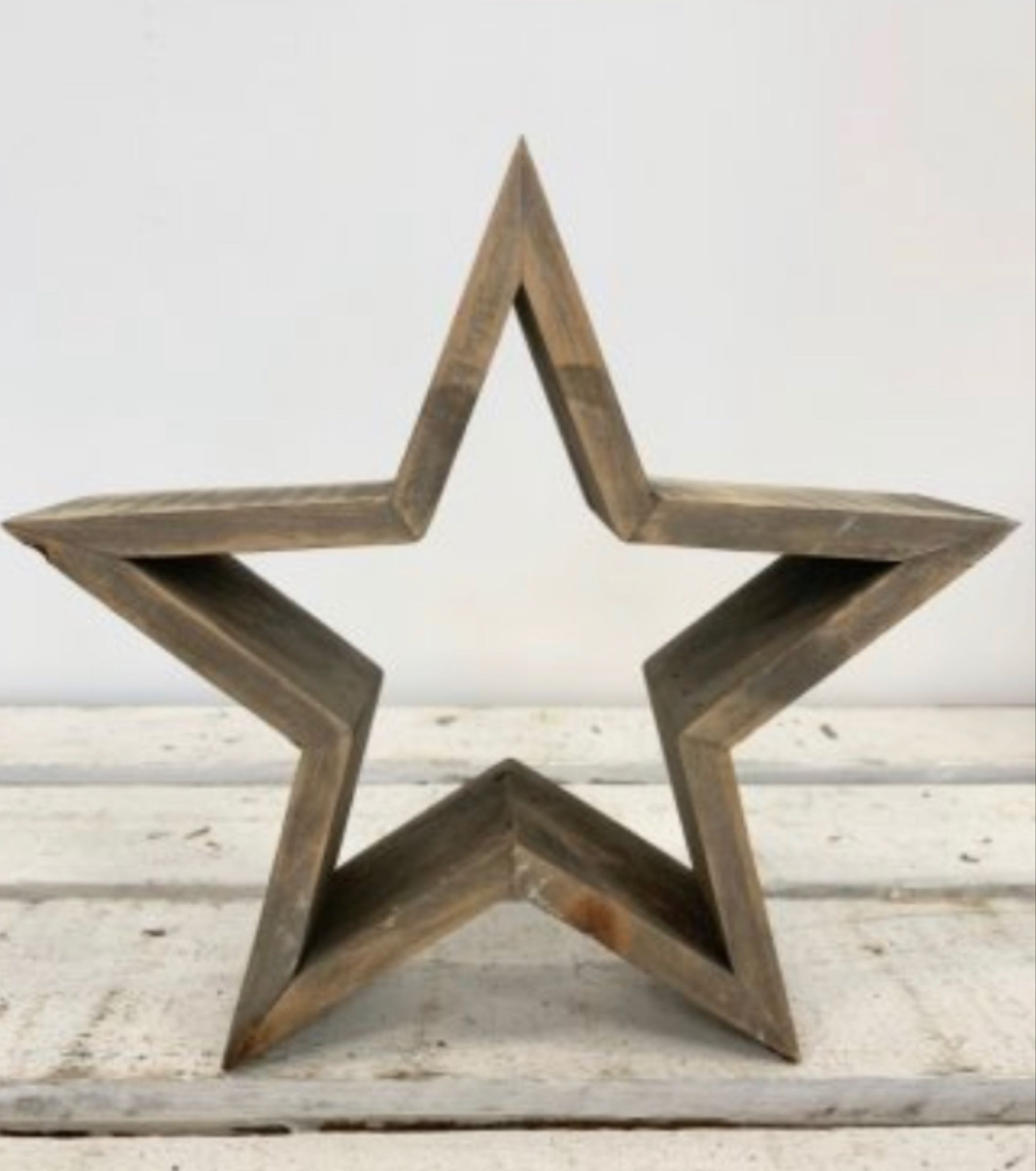 Small wooden rustic star 23cm