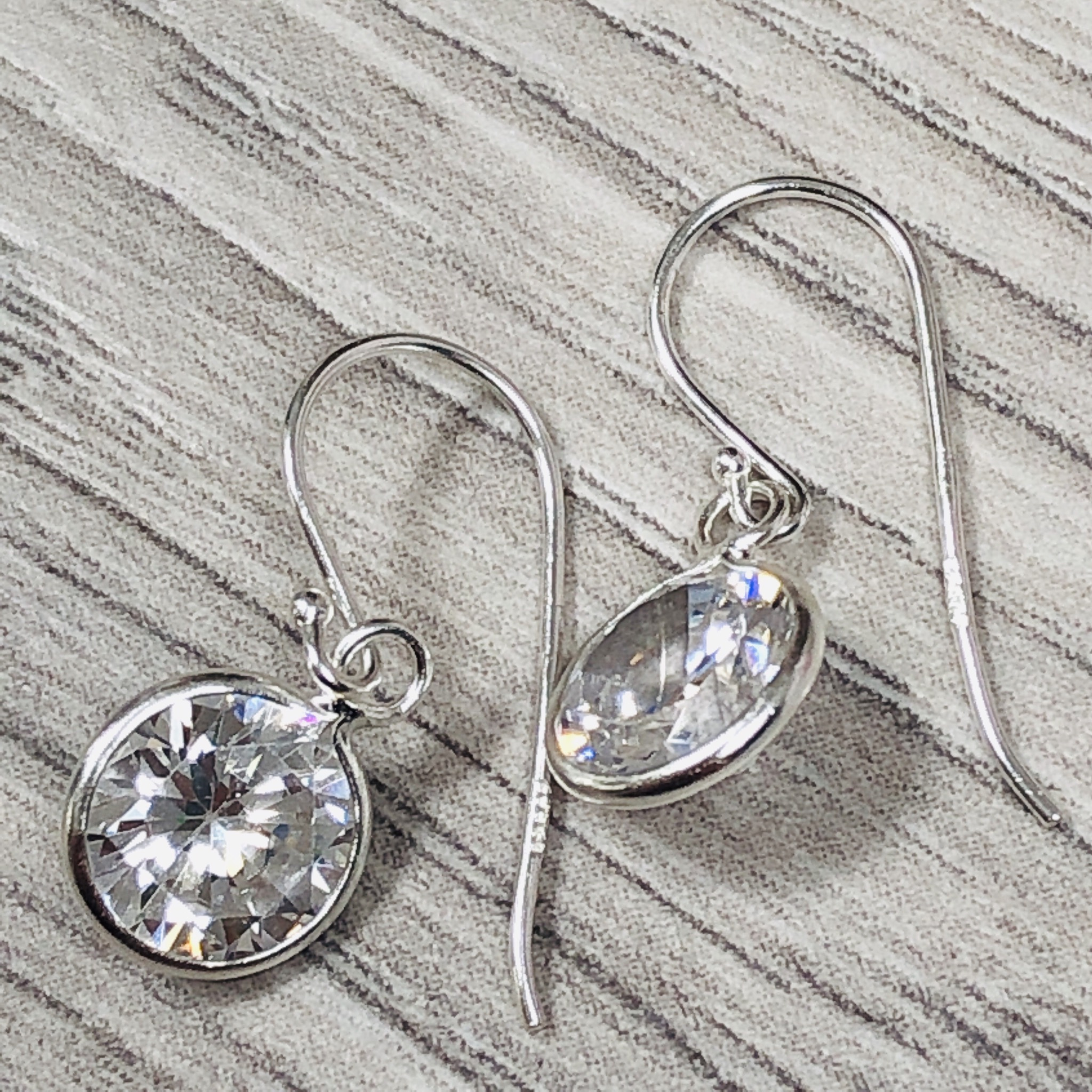 Circle cubic zirconia Sterling Silver earrings