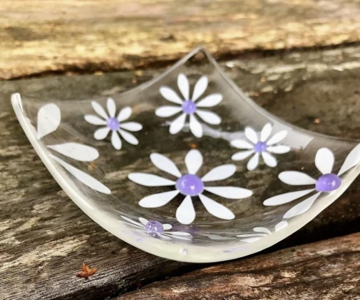 Berserks Glass simply Daisy trinket dish(small) - lavender