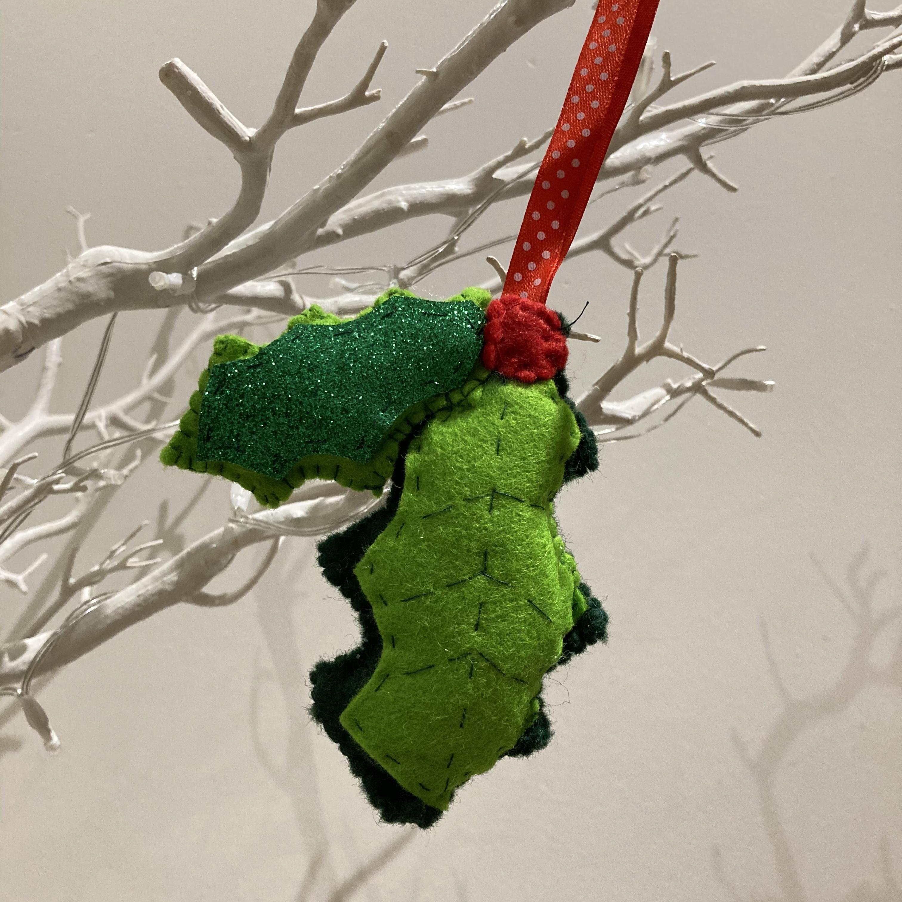 Holly leaf felt Christmas decoration