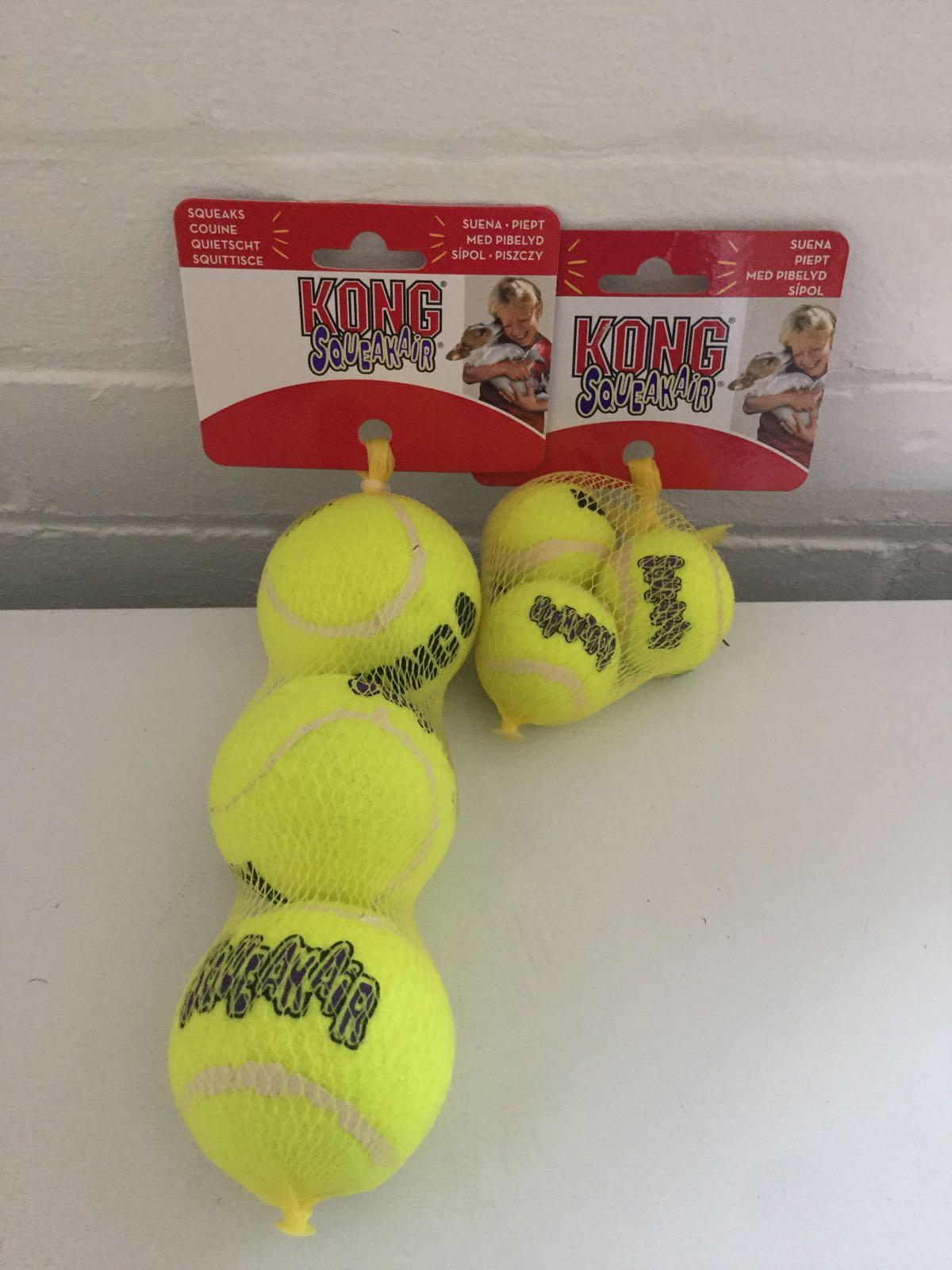 Air Kong Squeaker Tennis Ball (pack of 3)