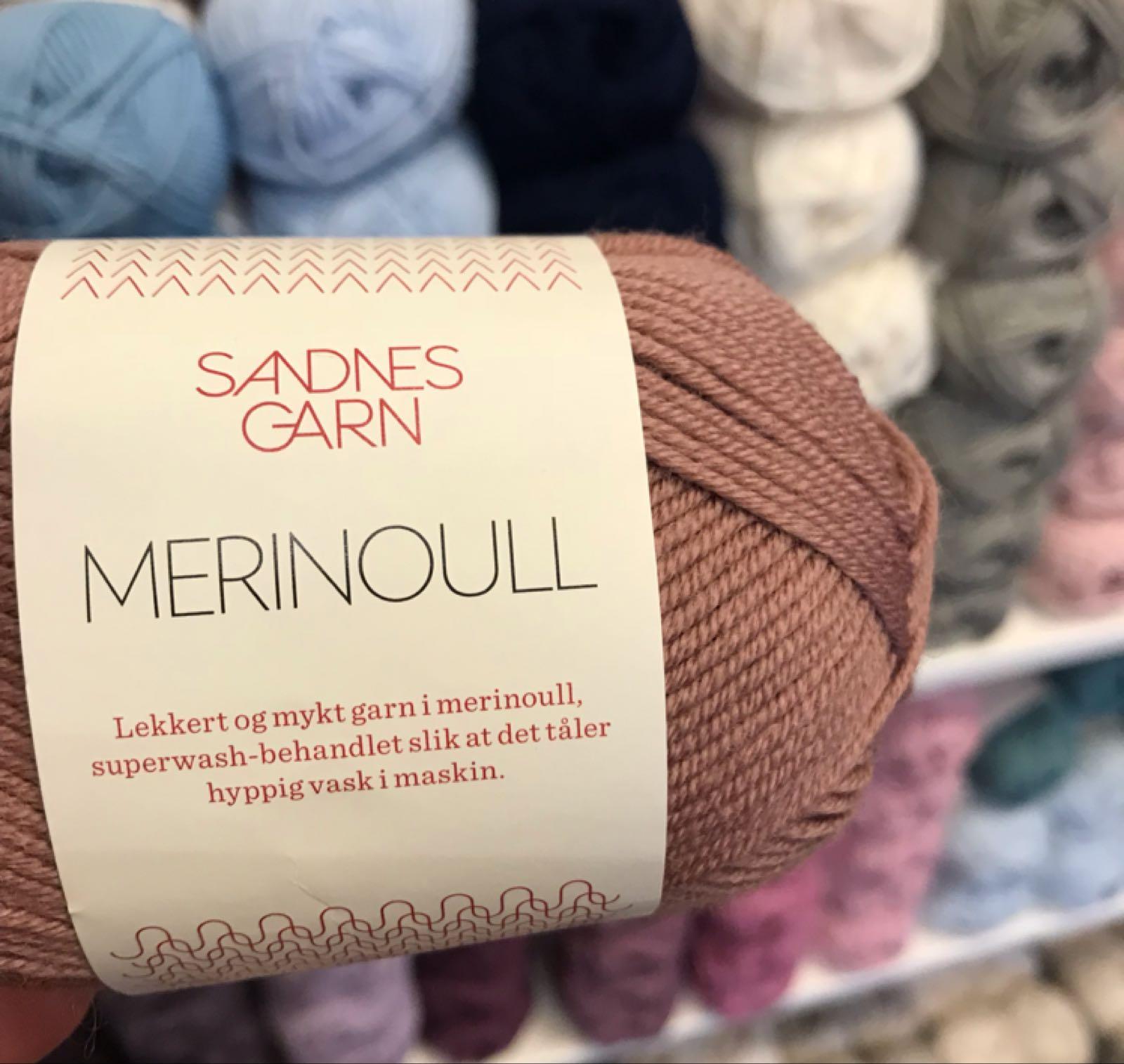 garnet MERINOULL