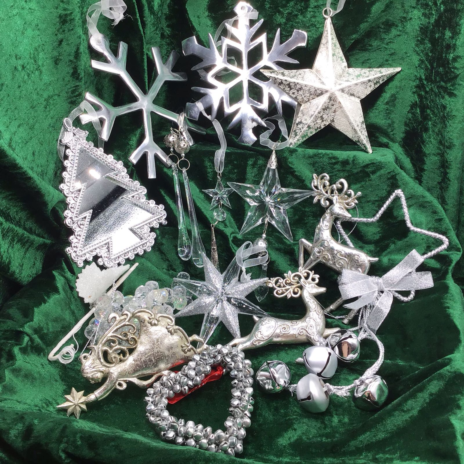 Christmas in a Box – Sparkling Silver & Champagne