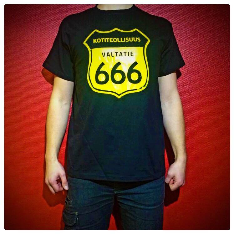 Valtatie 666 T-paita