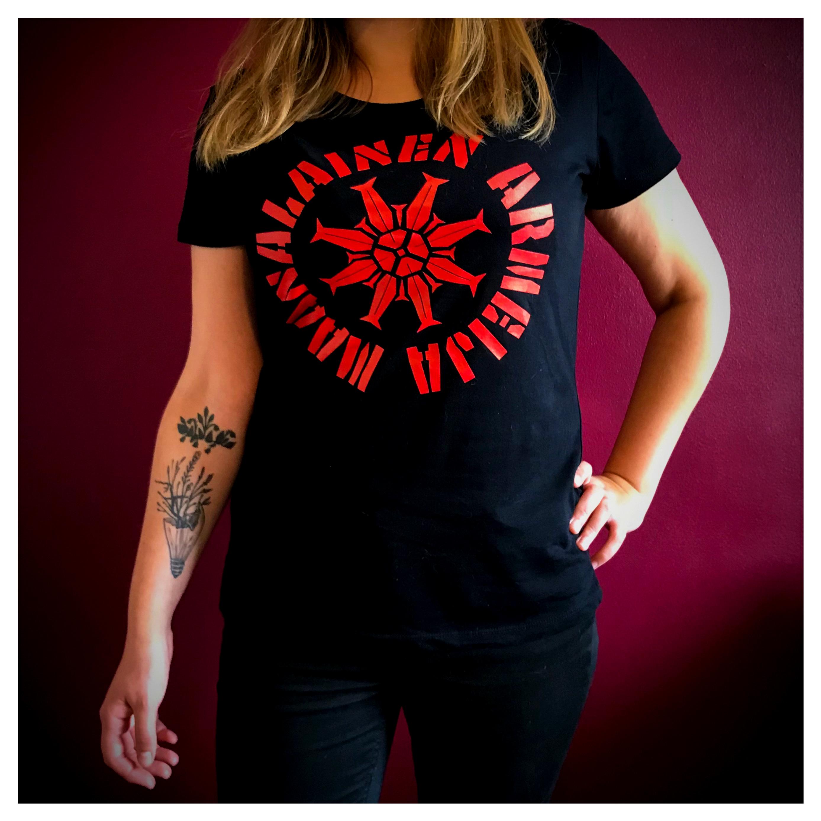 Maanalainen Armeija Lady Fit T-paita (punainen logo)