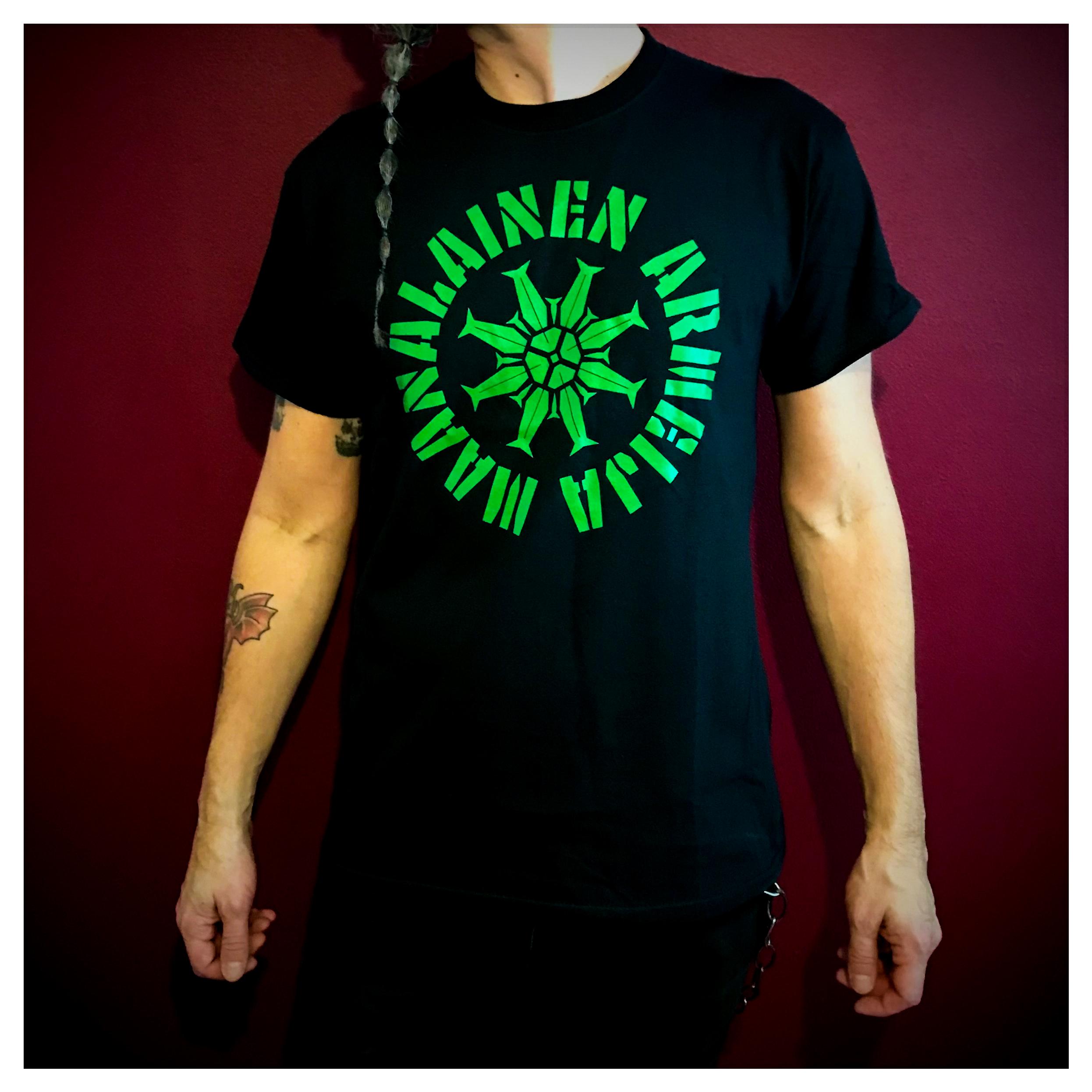 Maanalainen Armeija T-paita (vihreä logo)