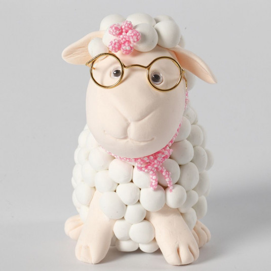 Laura the Lamb - DIY Kit