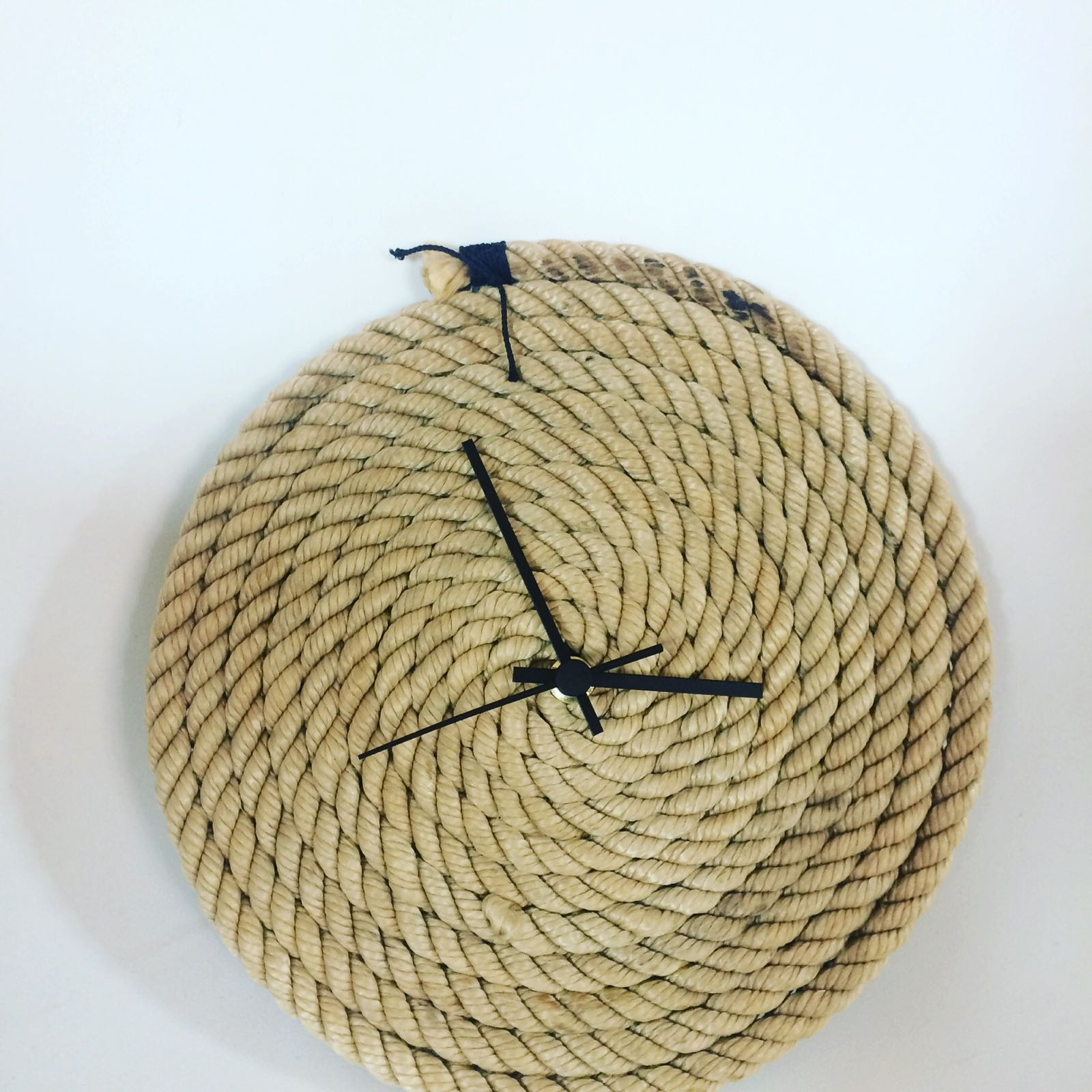 Fischereidesign - Wanduhr aus Tampen