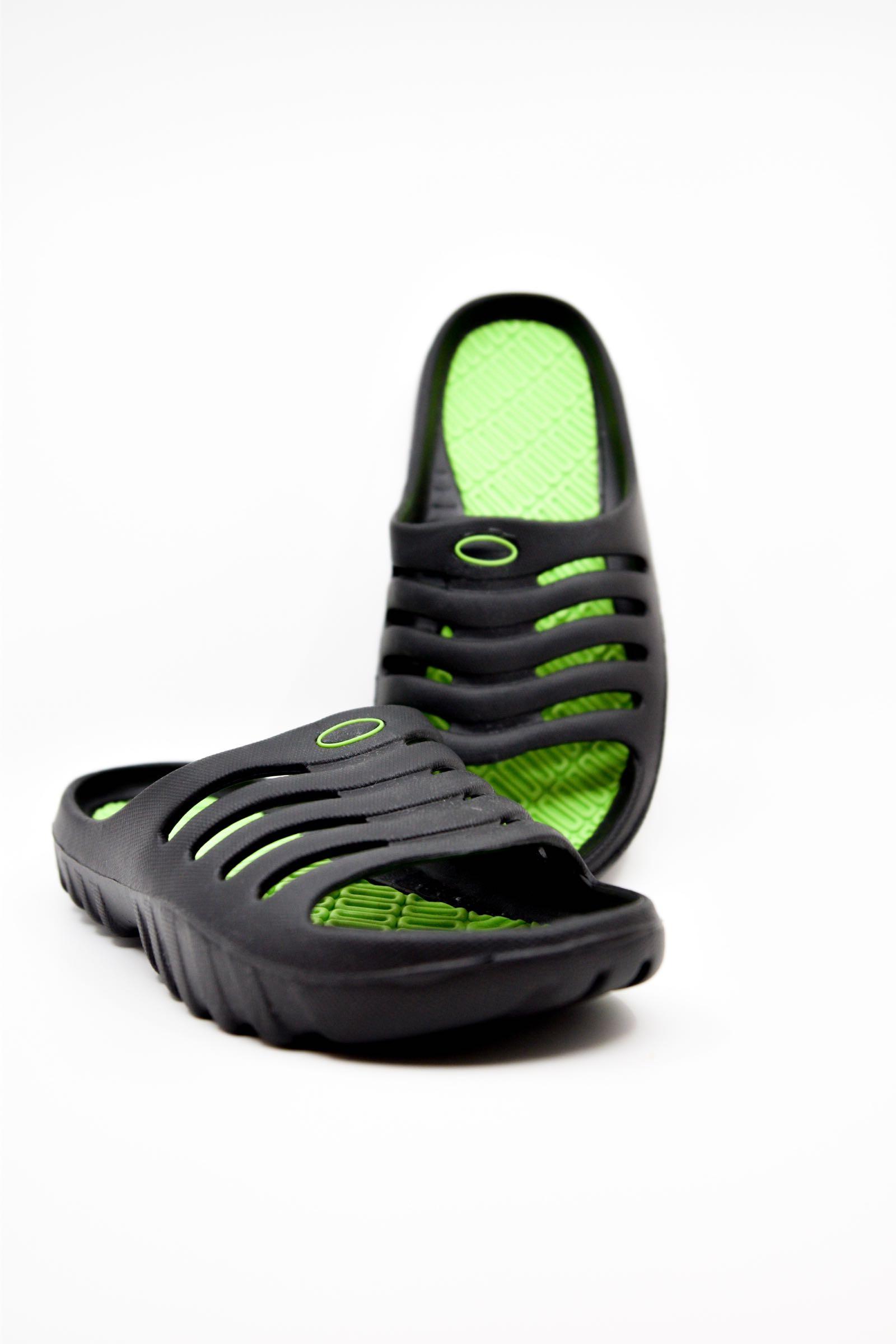 Lima Pool Shoes