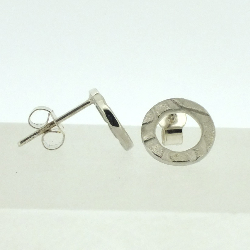 Small Ring textured silver stud earrings