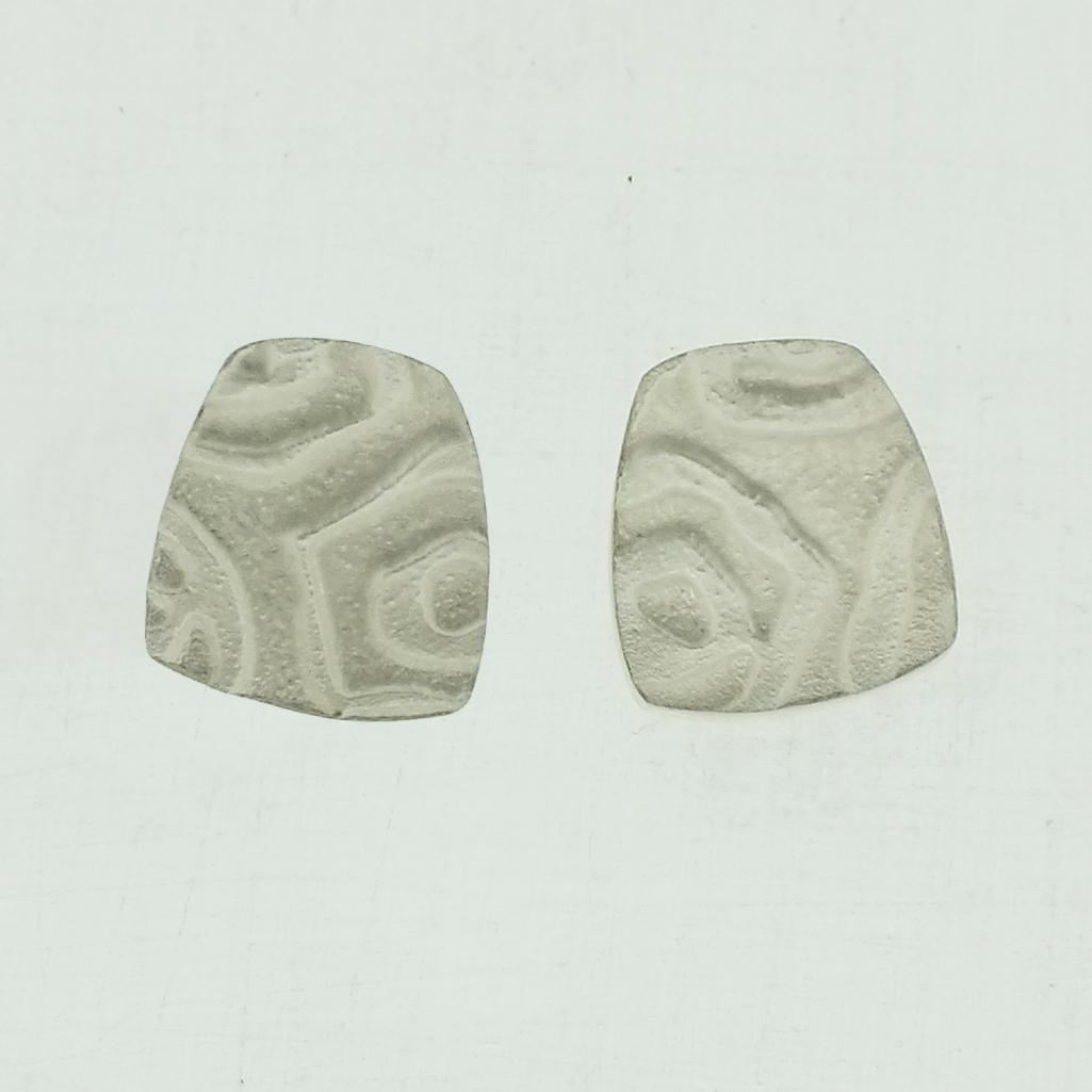 Medium 4 neukit textured silver stud earrings