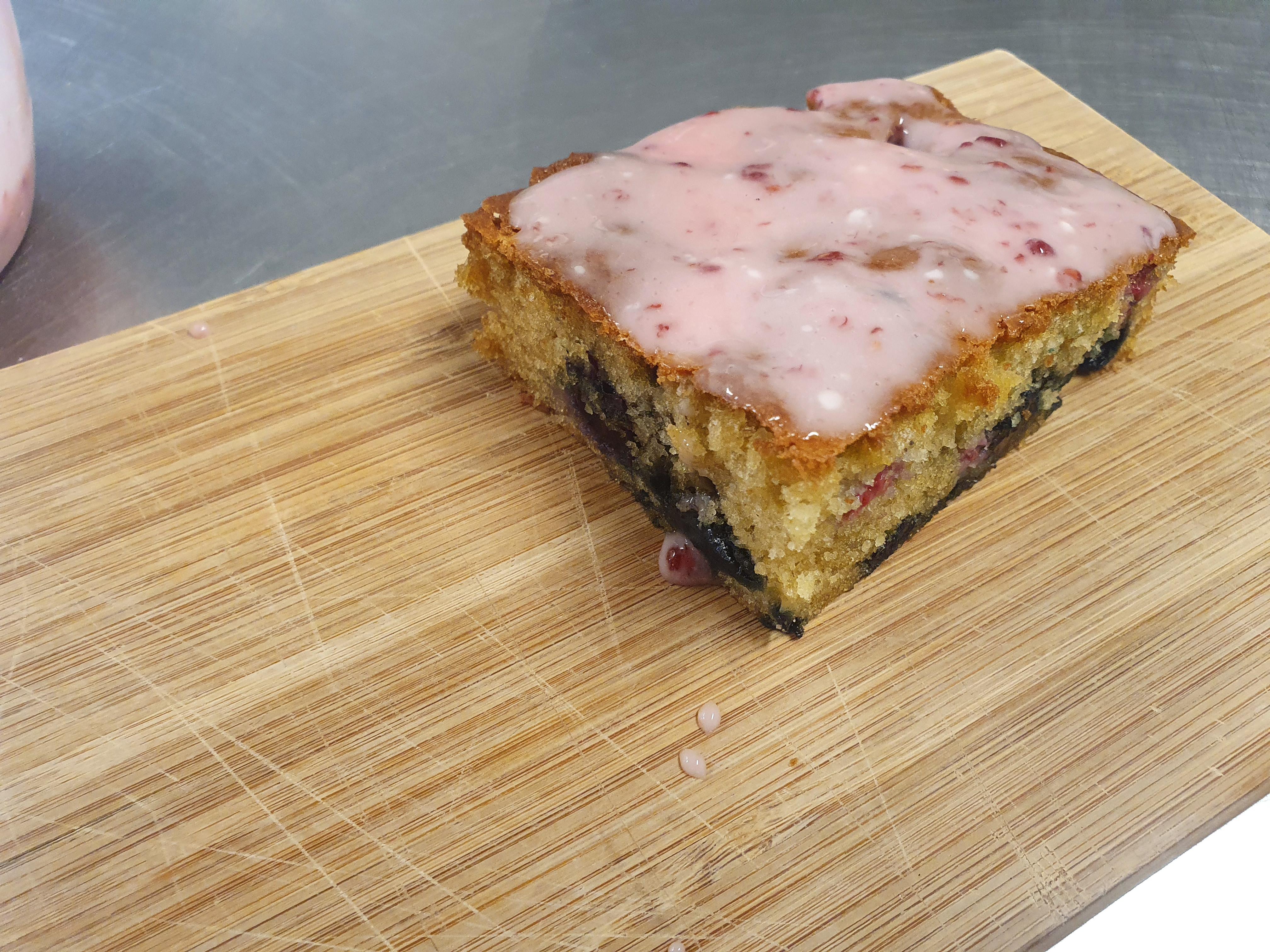 Mixed Berry Yoghurt cake - slice
