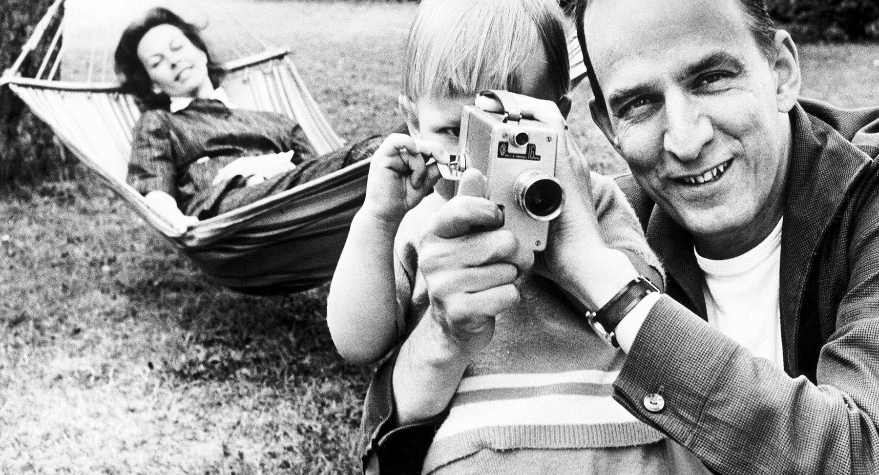 15.05 13:00 Searching for Ingmar Bergman (9 år)
