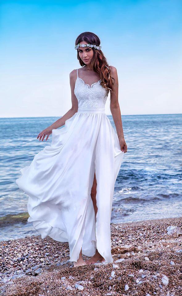 WHITE BELLA