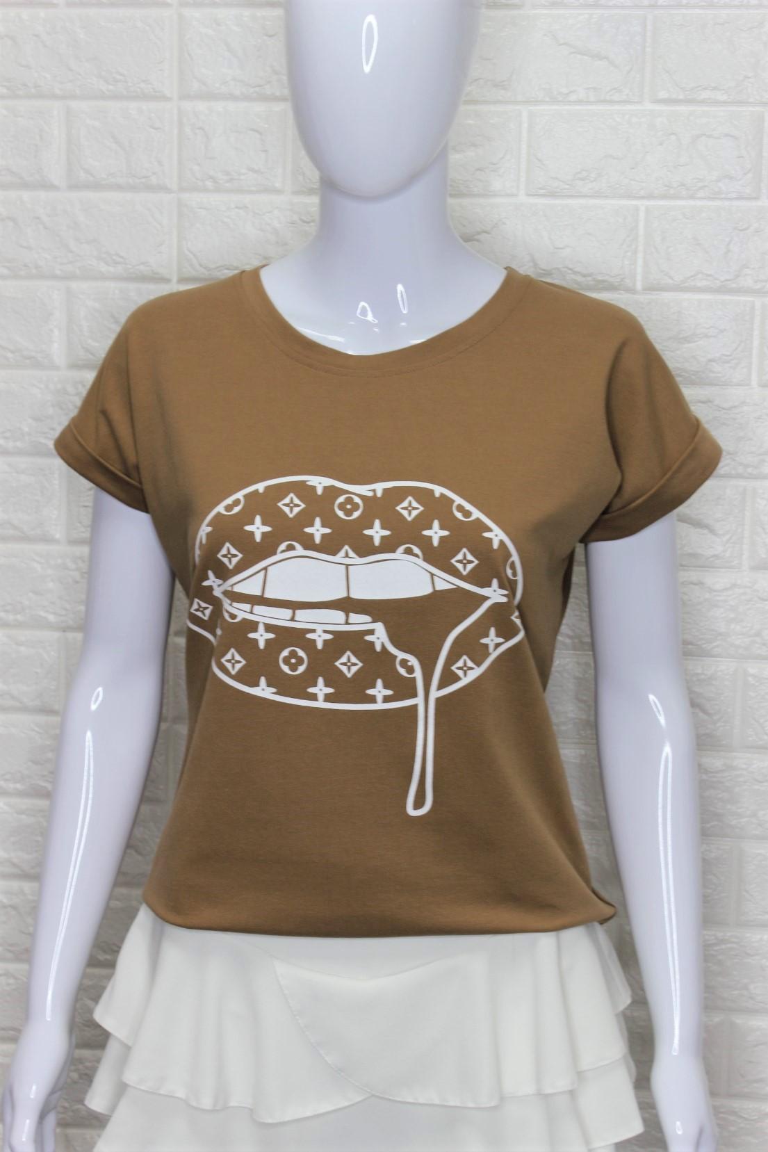 Caramel LV LIPS T-Shirt
