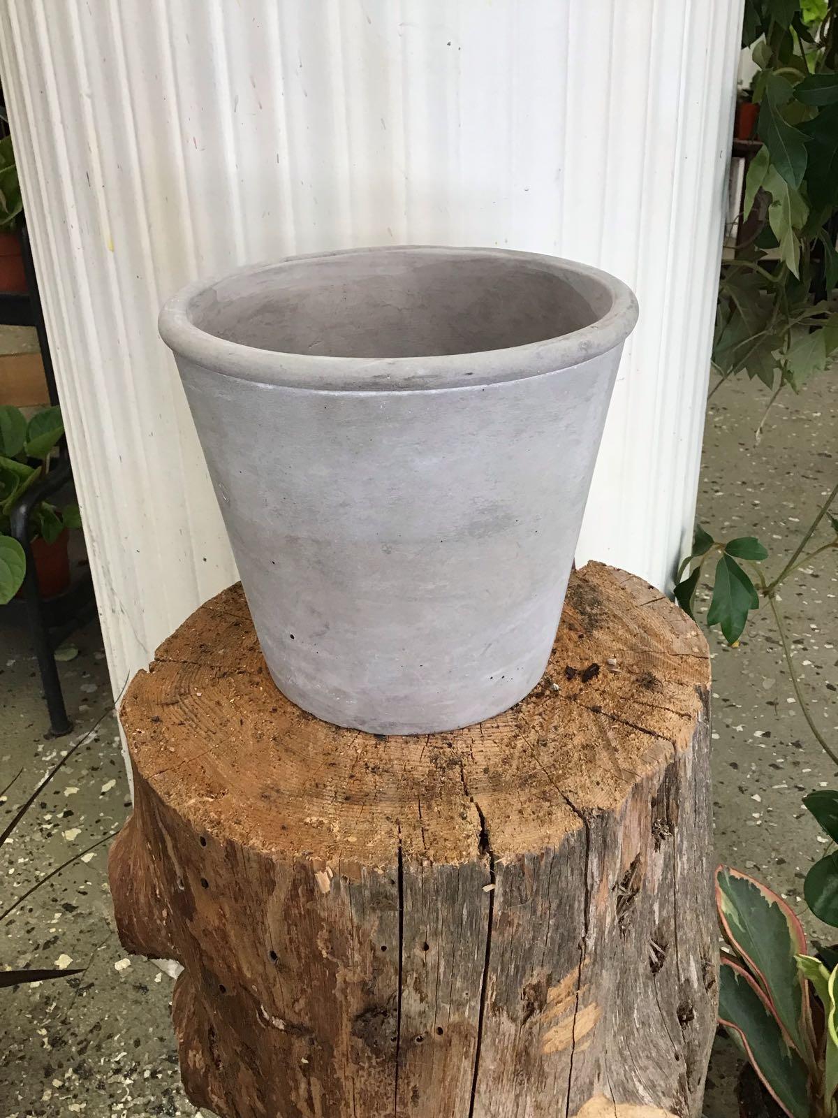 Kruka cement slät grå