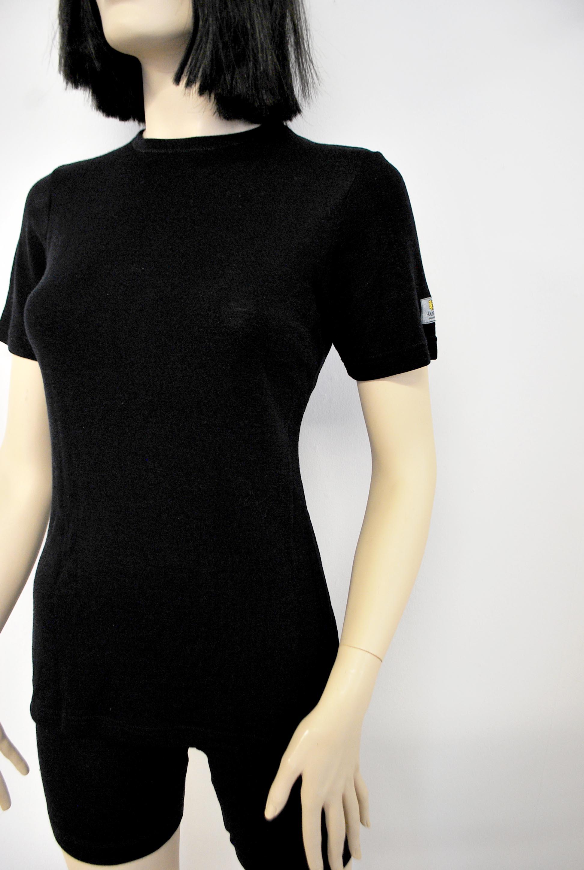Janus Black wool dam t-shirt