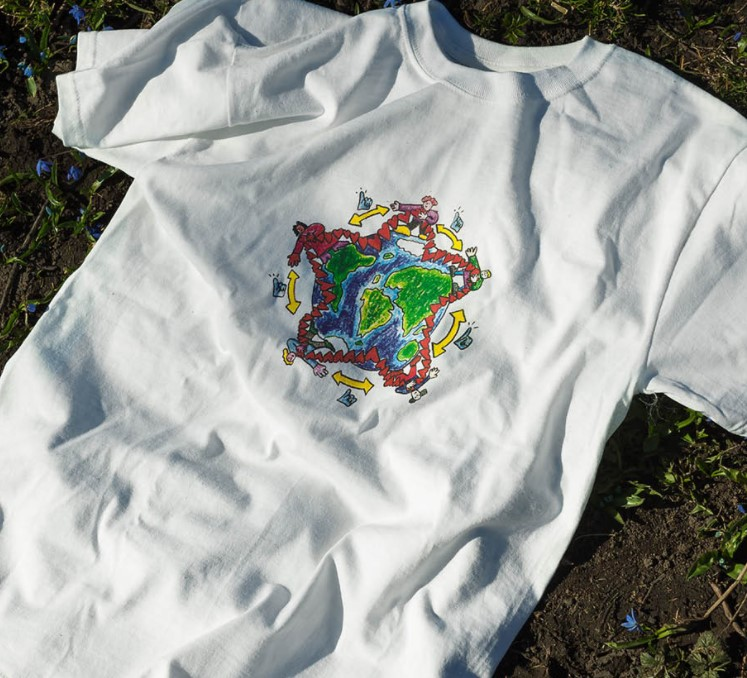 Solidarity t-shirtE. Hellebust – profits given to Moria camp charities