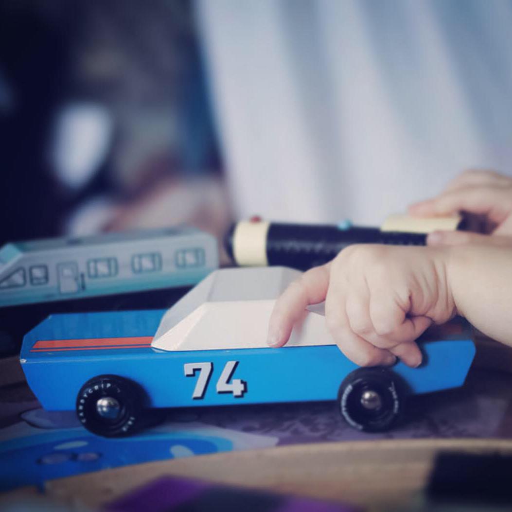 Blue 74 Racer – Träbil