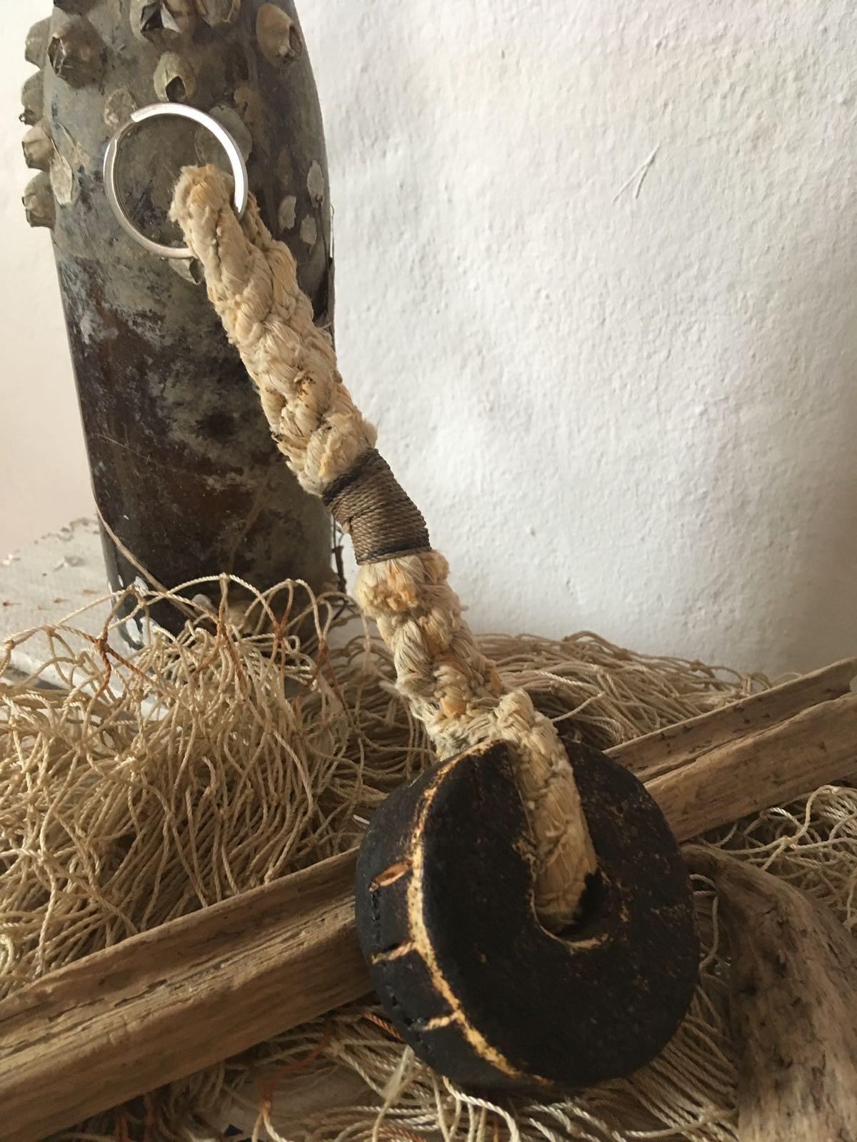 Fischereidesign  - Schlüsselanhänger mit schwarzem Schwimmer