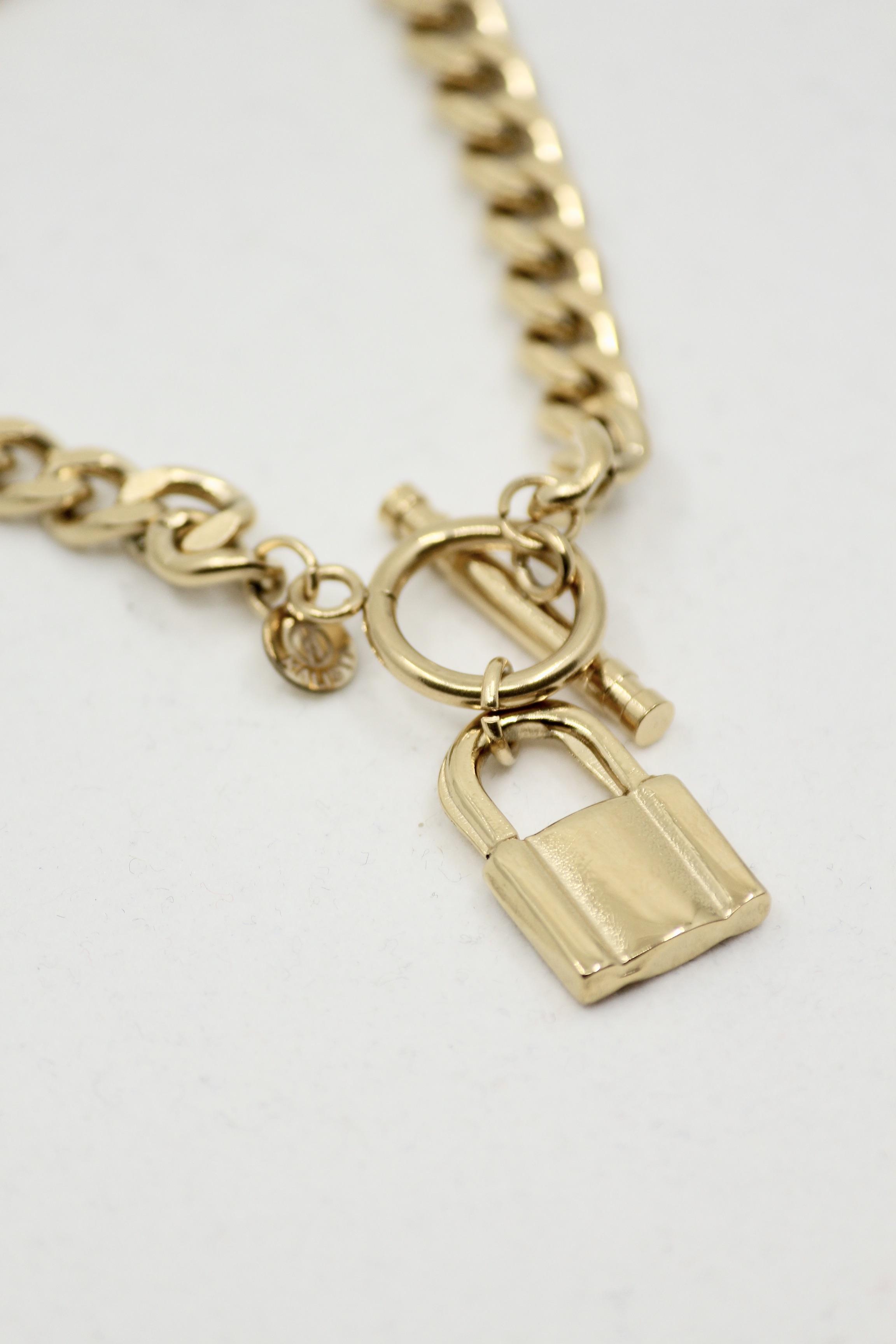 "Chunky Chain Bracelet ""Padlock"""