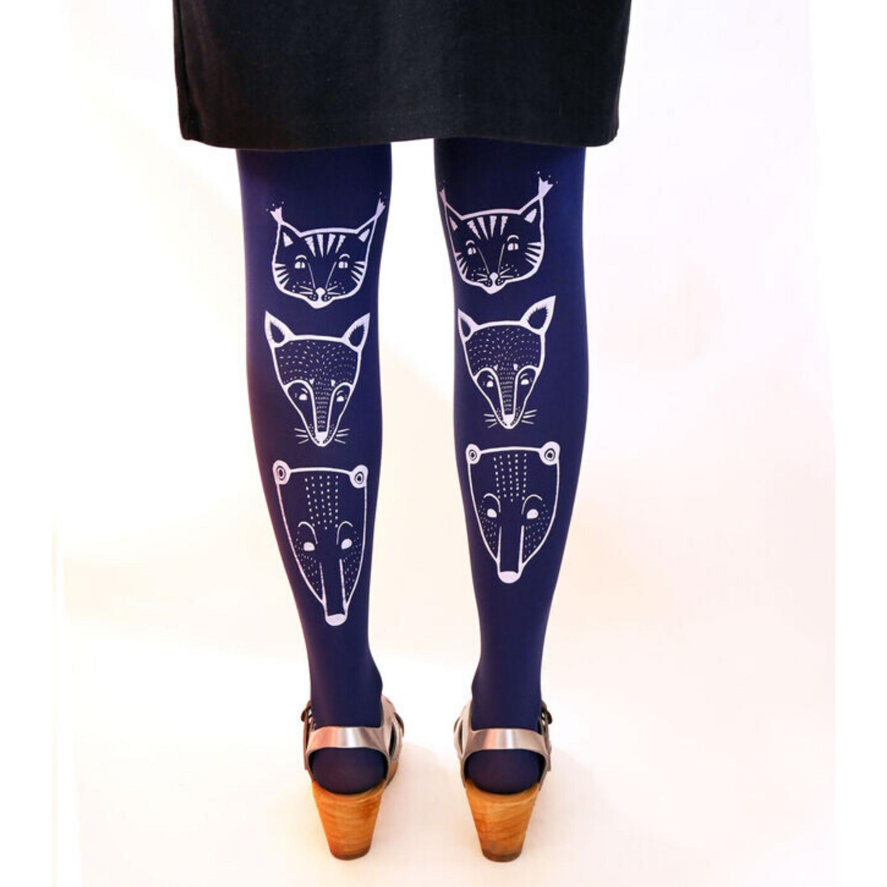 Siniset toteemieläin sukkahousut - Mary a. Jalava