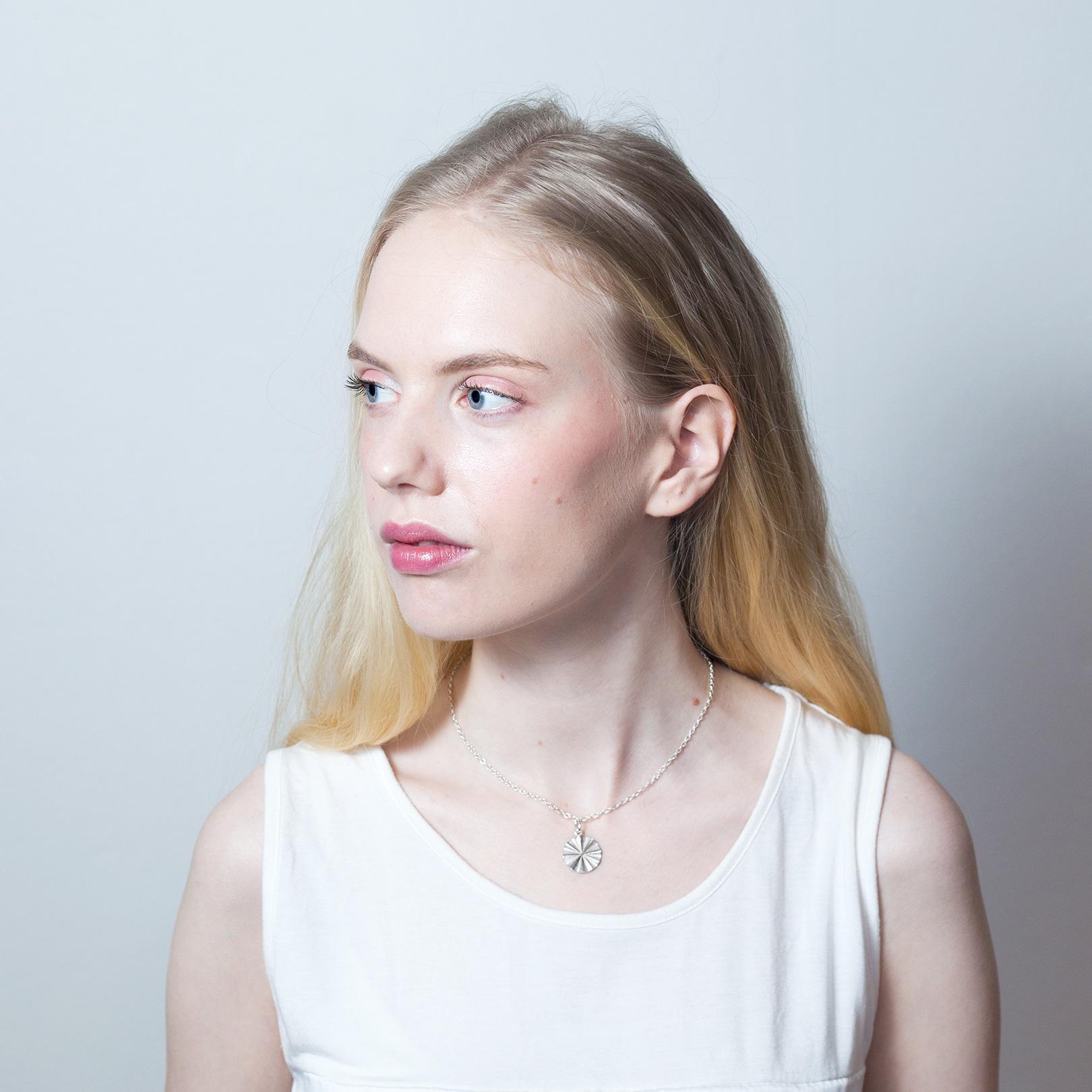 Aurora riipus - Karina