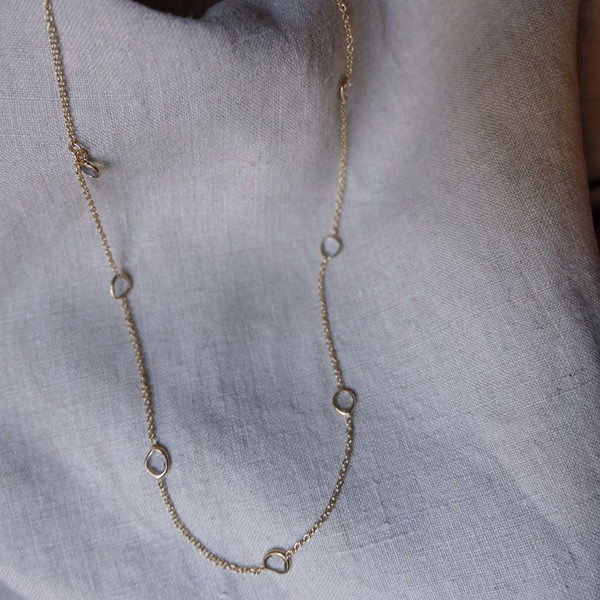 AIMANA NECKLACE CLEAR QUARTZ