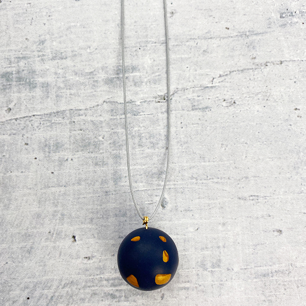 COCOA & GOLD SINGLE BALL NECKLACE BLUE & GOLD