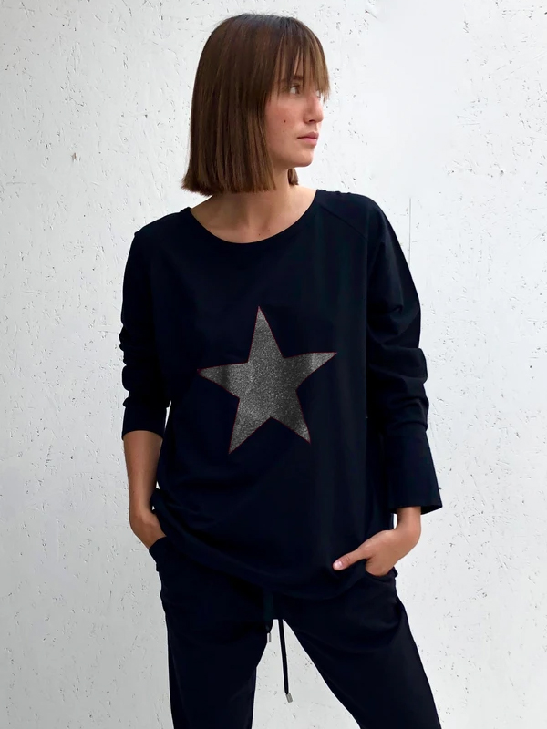 CHALK BLACK ROBYN TOP WITH GUNMETAL GREY STAR
