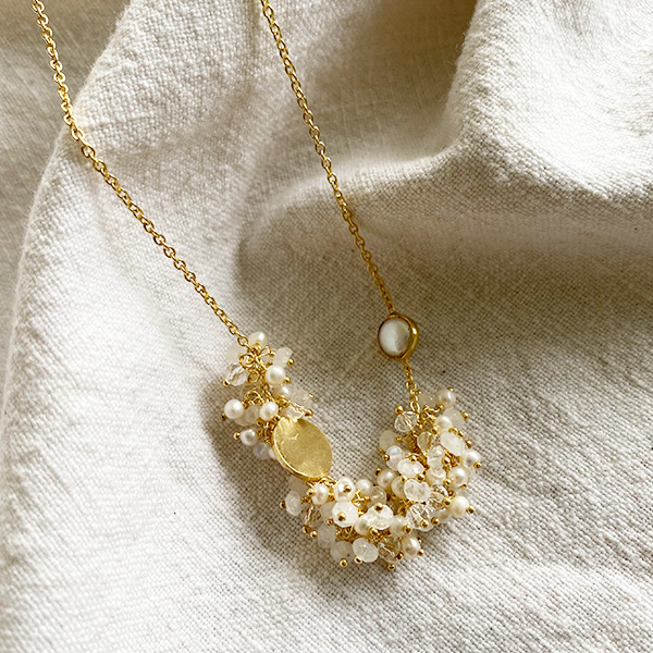 SIHLA GOLD & PEARL NECKLACE