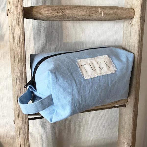 SKY BLUE BOX WASH BAG