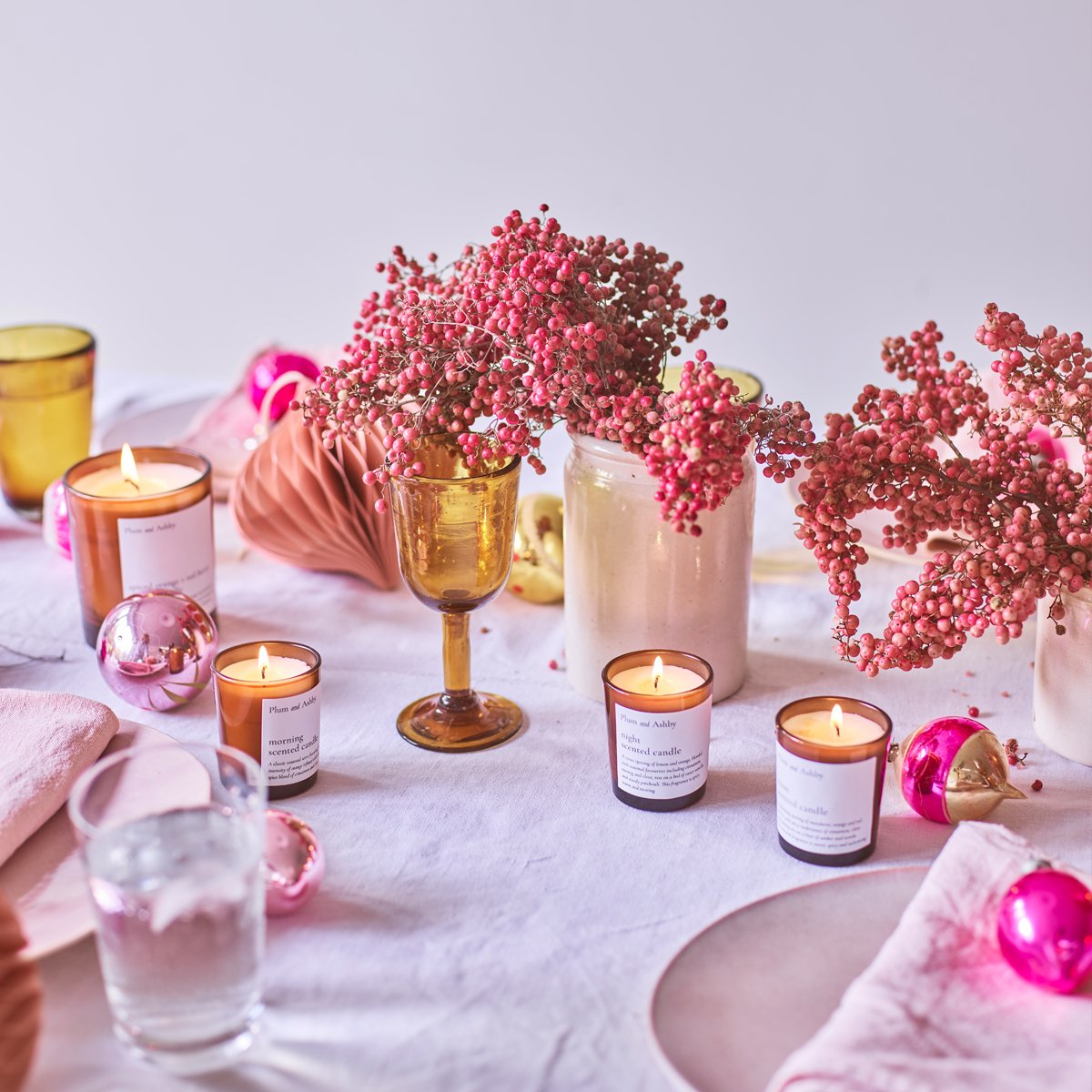 PINK PEPPER CORN AND NUTMEG CANDLE
