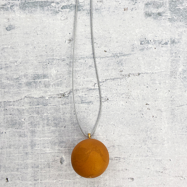 COCOA & GOLD SINGLE BALL NECKLACE PEARL ORANGE