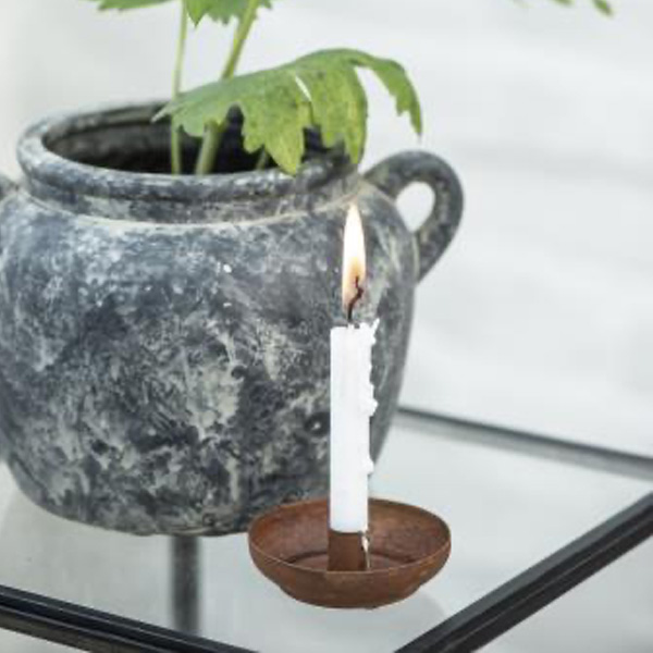 RUSTY CANDLE HOLDER FOR TAPER CANDLES