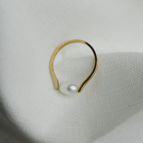 JURRI PEARL AND GOLD RING