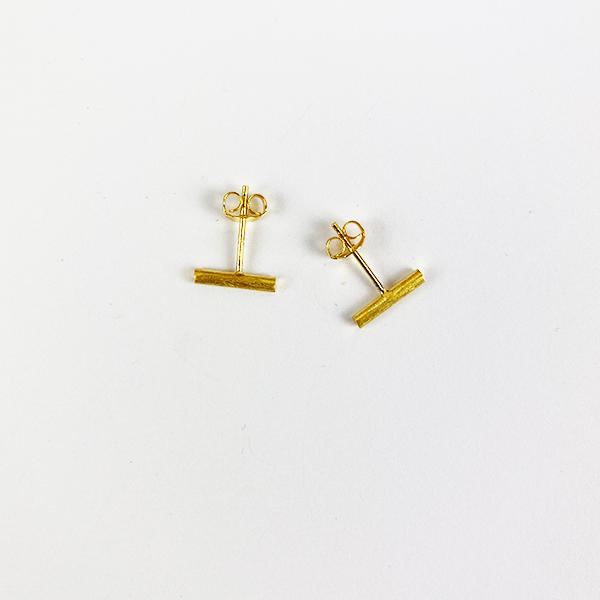 BRUSHED GOLD BAR STUD EARRINGS