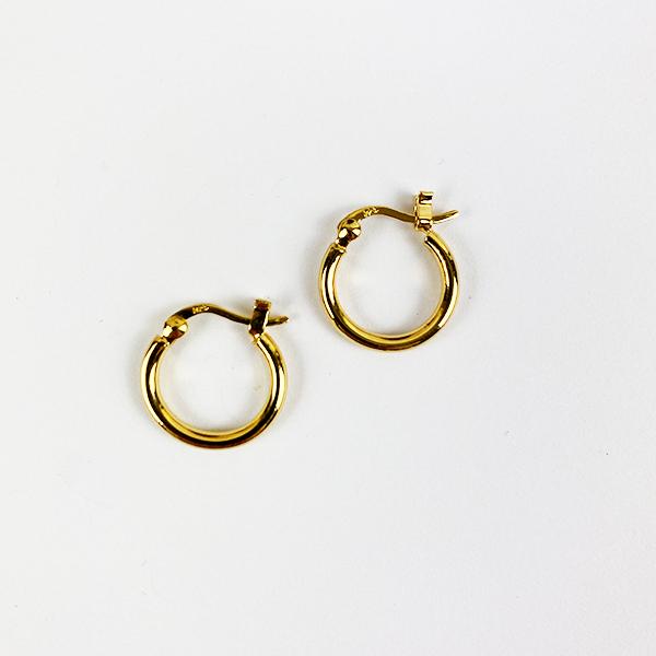 SIMPLE EVERYDAY GOLD HOOP EARRINGS