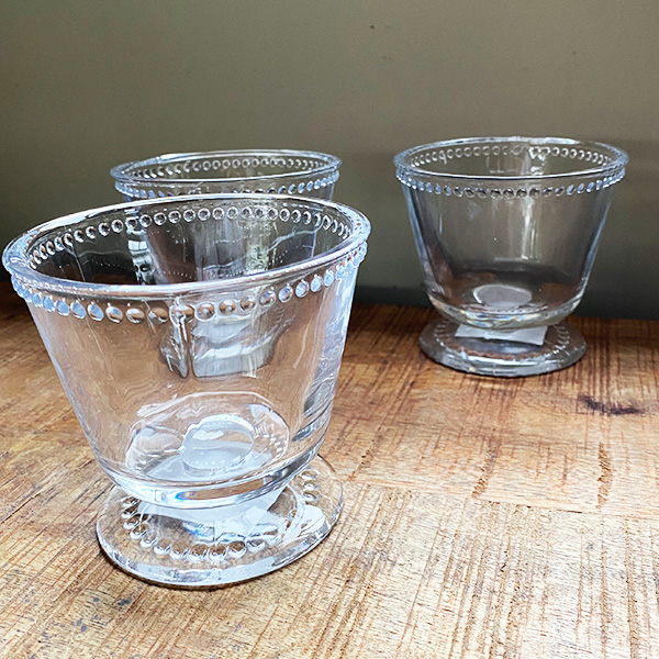 GLASS CUP WITH DOT DETAIL AND FOOT
