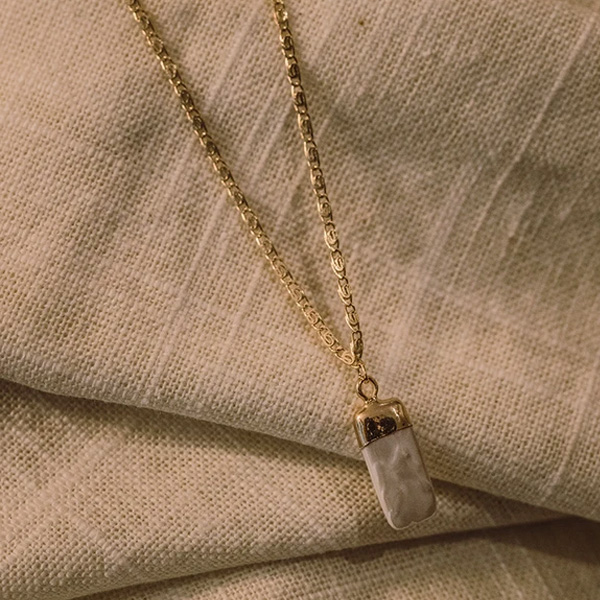 JAMU GOLD AND PEARL NECKLACE